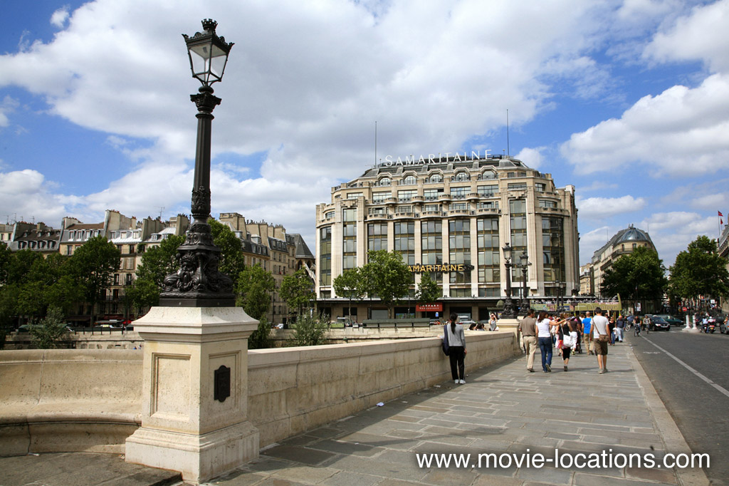 The Bourne Ideny Filming Location Samaritaine Building And Pont Neuf Paris